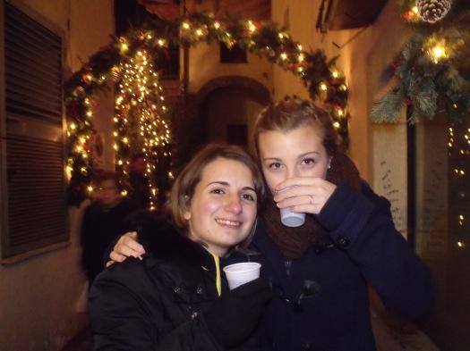 Francesca e Erica ad Aosta nel periodo natalizio