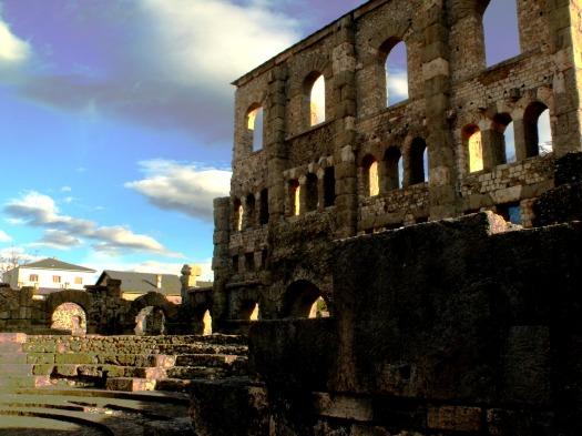 Teatro romano nella città di Aosta