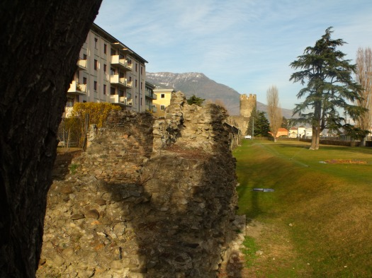 Resti della cinta muraria di Aosta